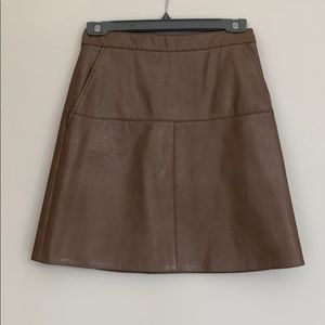 Taupe faux leather skirt with pockets